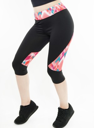 Stretched active Capri-leggings. P5003-Black-Coral chevron