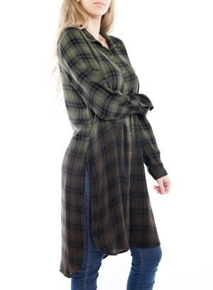 Long Sleeve Front Short Back Long Side-Slit Button-Down Plaid Top. 76884A01-Green-Black