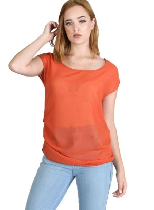 Cap sleeve, round neckline, key hole back lurex top featuring a  layered pleats side. WH-BT16793-RUST