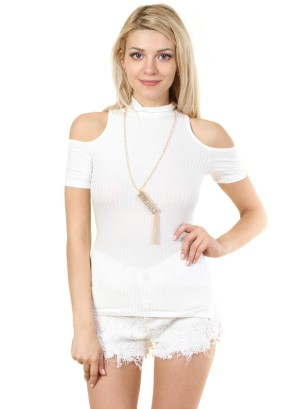 Turtle neckline, cut-out short sleeves, ribbed top with detachable fashion necklace.WH-BT1867-WHITE