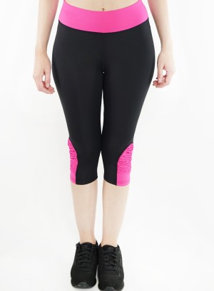 Stretched active Capri-leggings. 2015004-Black/Fuchsia