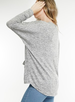 Long sleeves V-neckline 2-pocket front marled top. BT1945-Grey