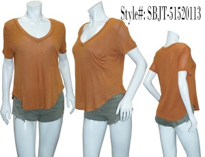 Short sleeves, partially hi-low slouchy-pocket tee.SBJT-51520113-RUST