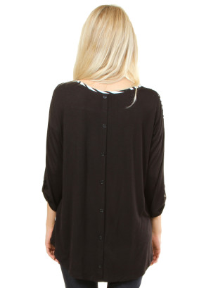 Half-sleeved striped shirt with designed buttons on the back. WH-T14262-BLACK/WHITE